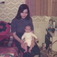 Mams (1976)
