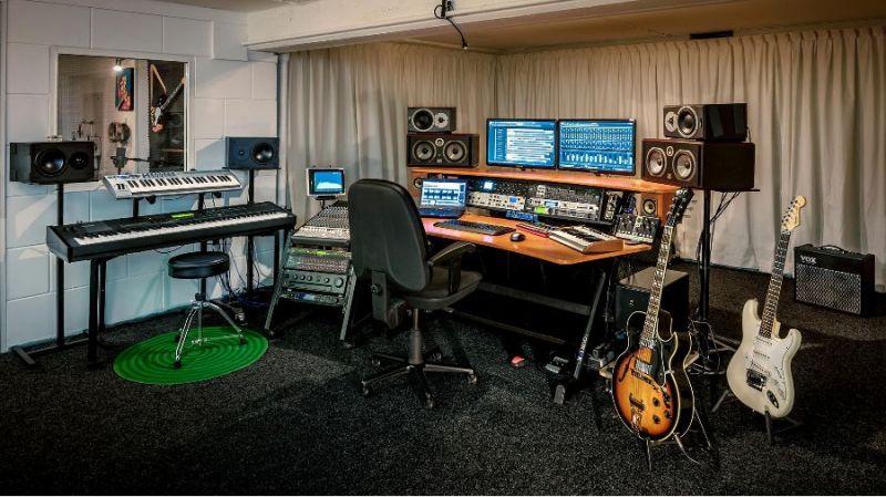 Tudor studio